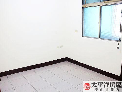 捷運景觀屋,新北市泰山區明志路三段