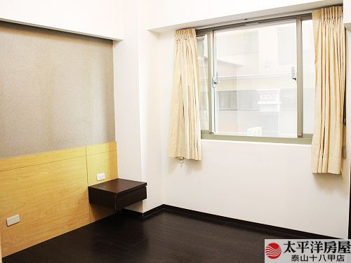 泰山買房賣屋美麗羅浮4+1房車,新北市泰山區仁愛路