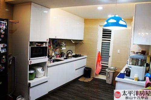 泰山買房賣屋市場旁美裝潢2+1房,新北市泰山區中華街
