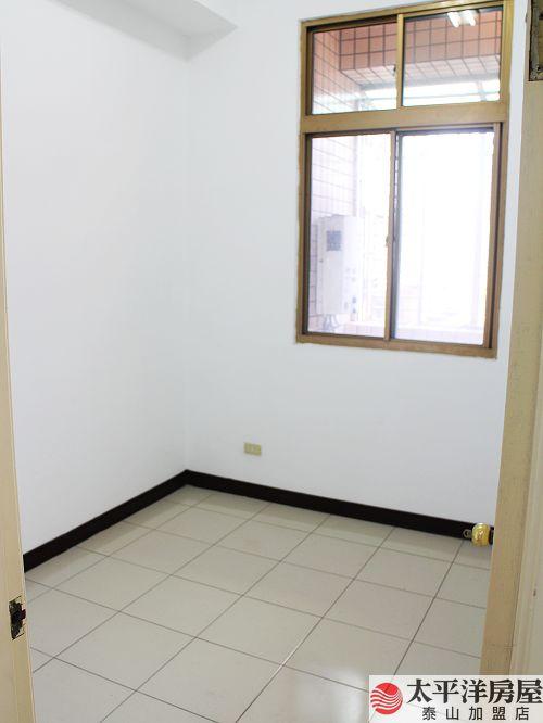 泰山買房賣屋捷運方正高樓三房,新北市泰山區貴陽街