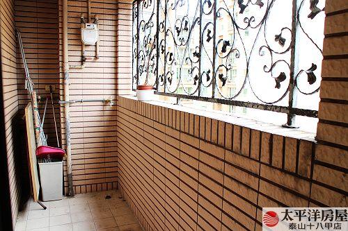 泰山買房賣屋愛琴花園3+1房車,新北市泰山區仁義路
