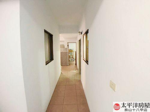 泰山買房賣屋新莊邊間可停車一樓,新北市新莊區中港路