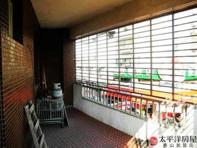 泰山買房賣屋邊間大坪數三樓公寓,新北市泰山區明志路三段