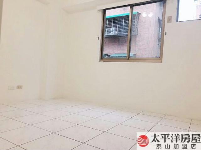 泰山買房賣屋三段商圈溫馨三房車,新北市泰山區明志路三段