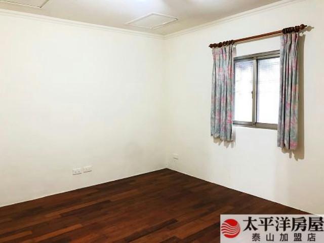 泰山買房賣屋邊間大坪數二樓美寓,新北市泰山區辭修路