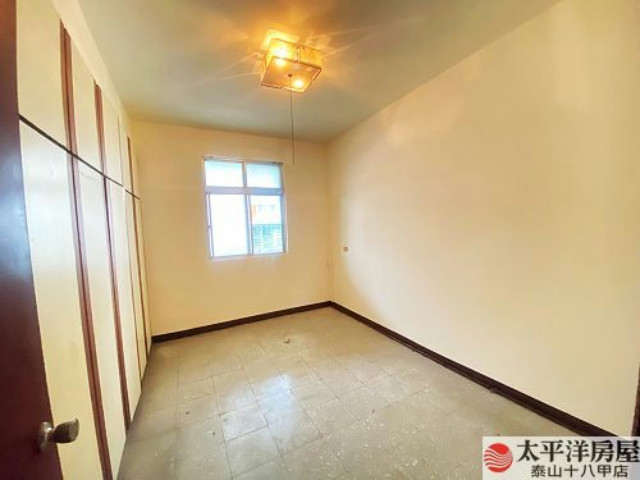 泰山買房賣屋前後陽台大空間美寓,新北市泰山區辭修路