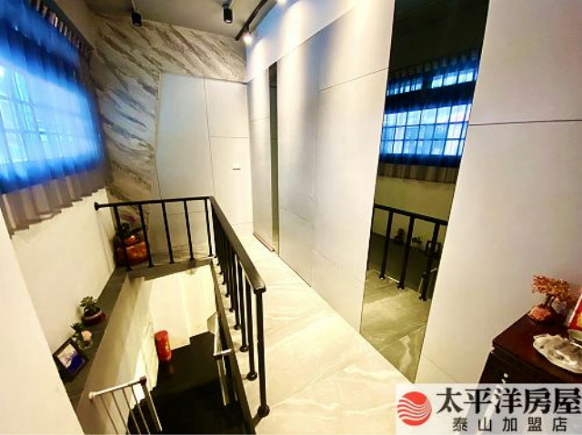 泰山買房賣屋質感裝潢門口可停車1+2,新北市泰山區明志路二段
